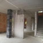 Rohbau von innen mit Treppe