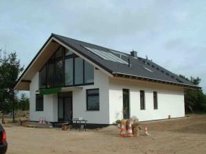 Neubau Massivhaus Eingangsansicht