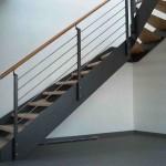 Treppenaufgang Metall und Holz