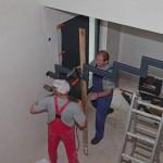 Bauarbeiten an Treppe im Kubus mit Ausblick
