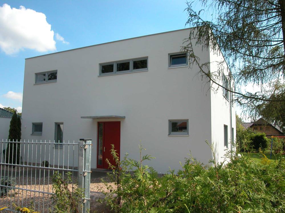 Flachdach einfamilienhaus kosima haus hausbau berlin for Baustile einfamilienhaus