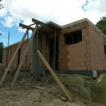 Stützkonstruktion für die Haustürüberdachung