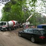 Betonmischer vor der Baustelle